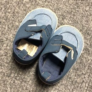 Target brand blue baby shoes 6-9 month